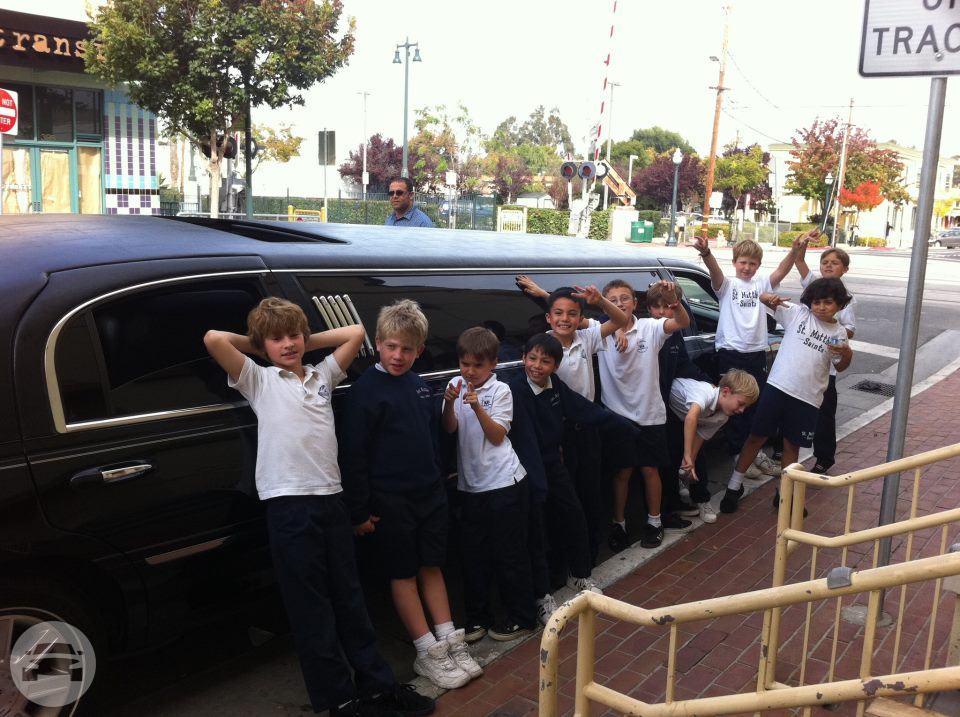 STRETCH LIMOUSINE Limo / Milpitas, CA 95035   / Hourly $85.00