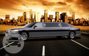 8 PASSENGER LINCOLN STRETCH LIMOUSINE Limo  / Grafton, WI 53024   / Hourly $0.00