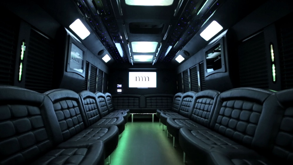 36 Passenger Limo Bus Party Limo Bus  / Lincolnshire, IL   / Hourly $0.00
