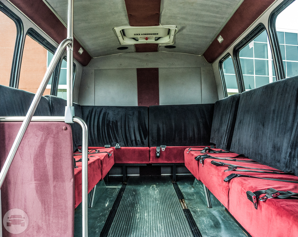 14 Passenger Party Bus Coach Bus  / South Hadley, MA 01075   / Hourly $0.00