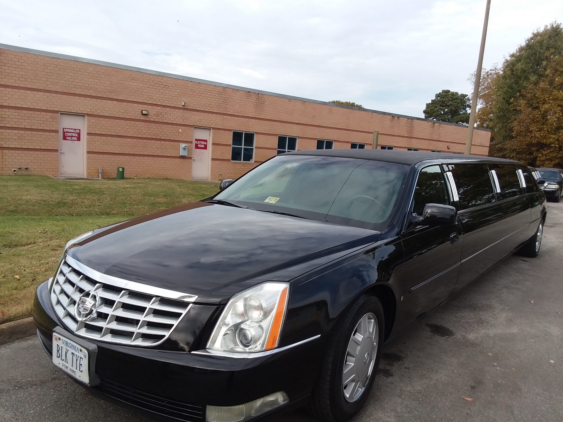 Black Cadillac Stretch Luxury Limousine  Limo / Richmond, VA   / Hourly $0.00