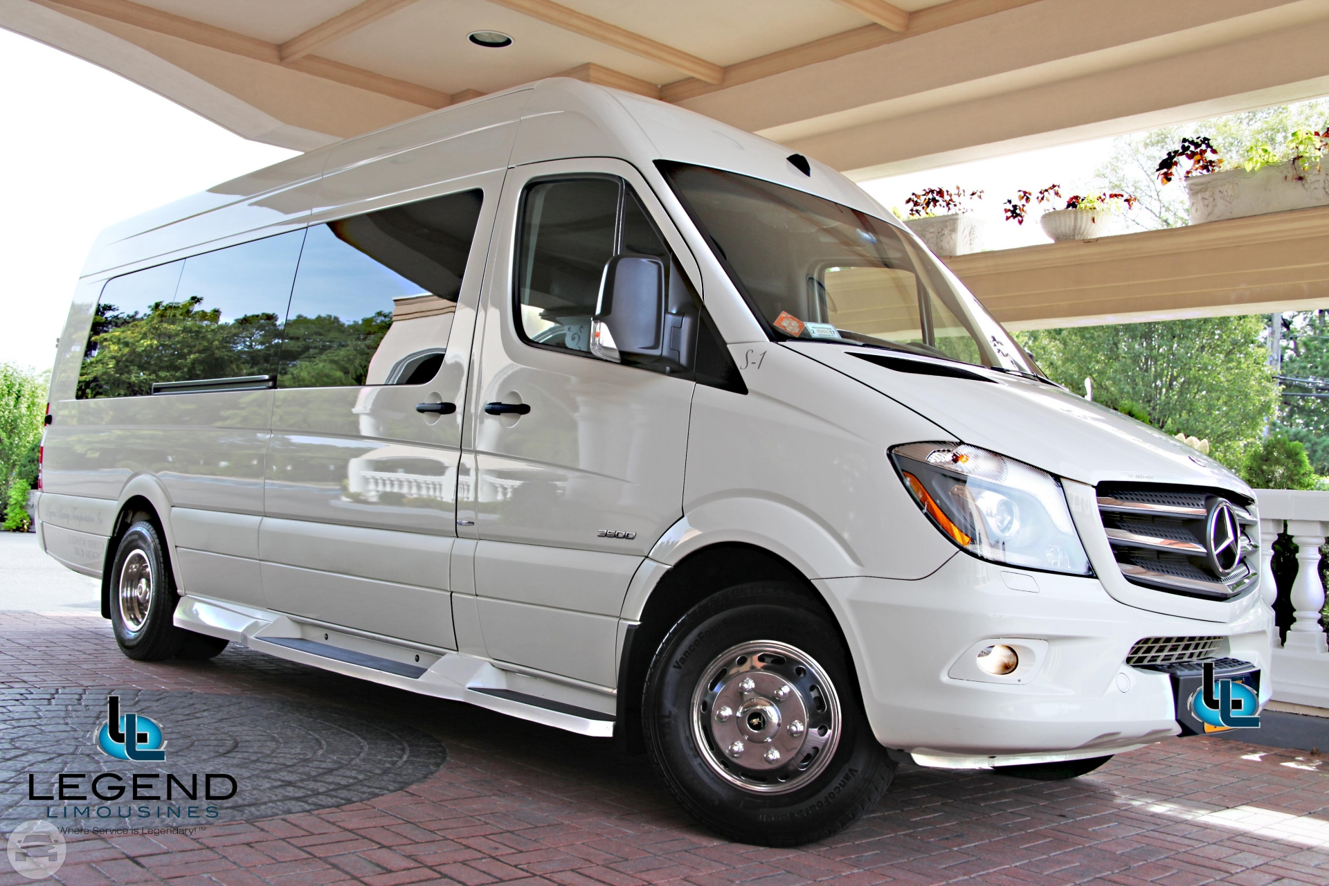Get online quote for 13 passenger white diamond mercedes for Mercedes benz sprinter price philippines
