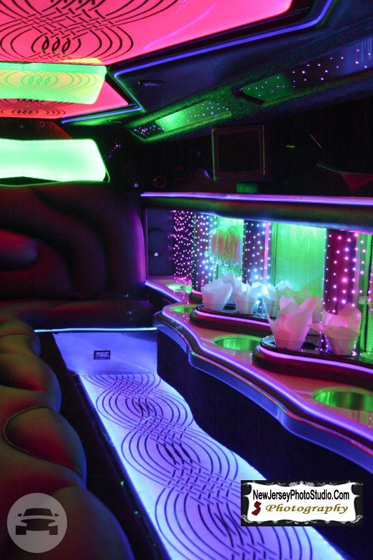 New Chrysler 300 Stretched Limo Limo  / Jersey City, NJ   / Hourly $0.00