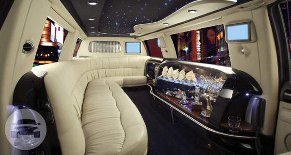 White Hummer H2 Ultra Limo Hummer  / Broomfield, CO   / Hourly $0.00