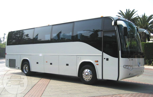 DELUXE HIGHWAY COACHES Coach Bus  / New York, NY   / Hourly $0.00