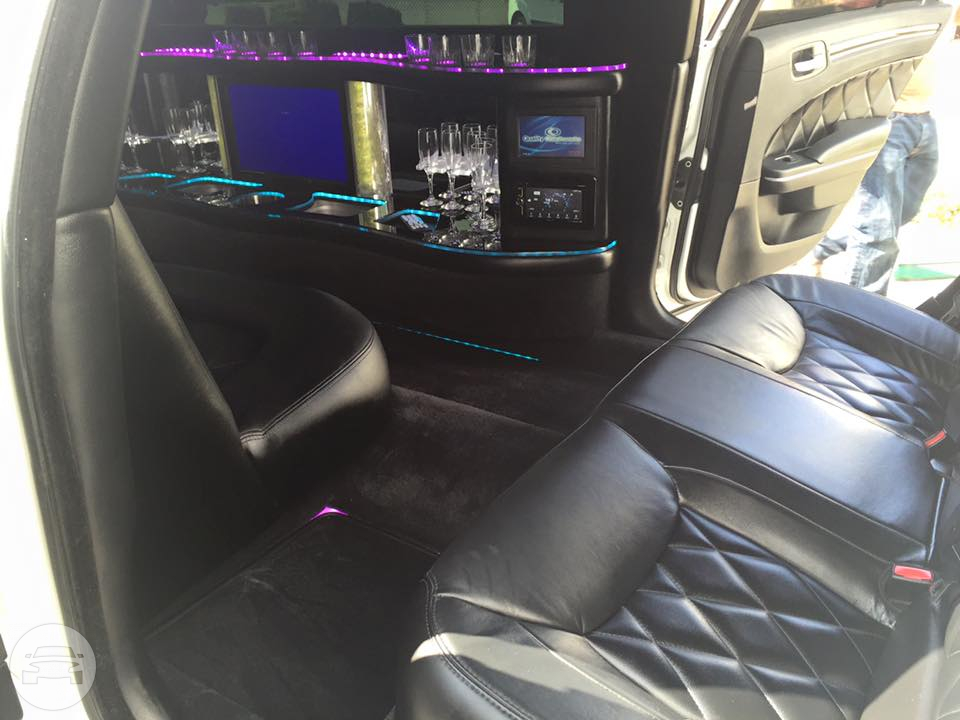 Chrysler 300M Limo Limo / Honolulu, HI   / Hourly (Other services) $230.00