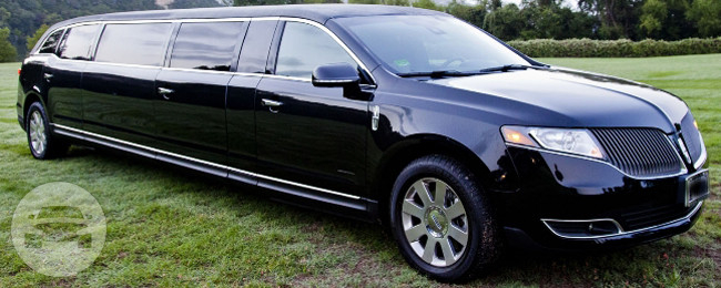 Black Stretch Lincoln MKT Limo  / Chicago, IL   / Hourly $0.00