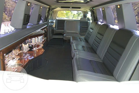 14 Passenger Ford Excursion Limo  / Monclova, OH 43542   / Hourly $0.00