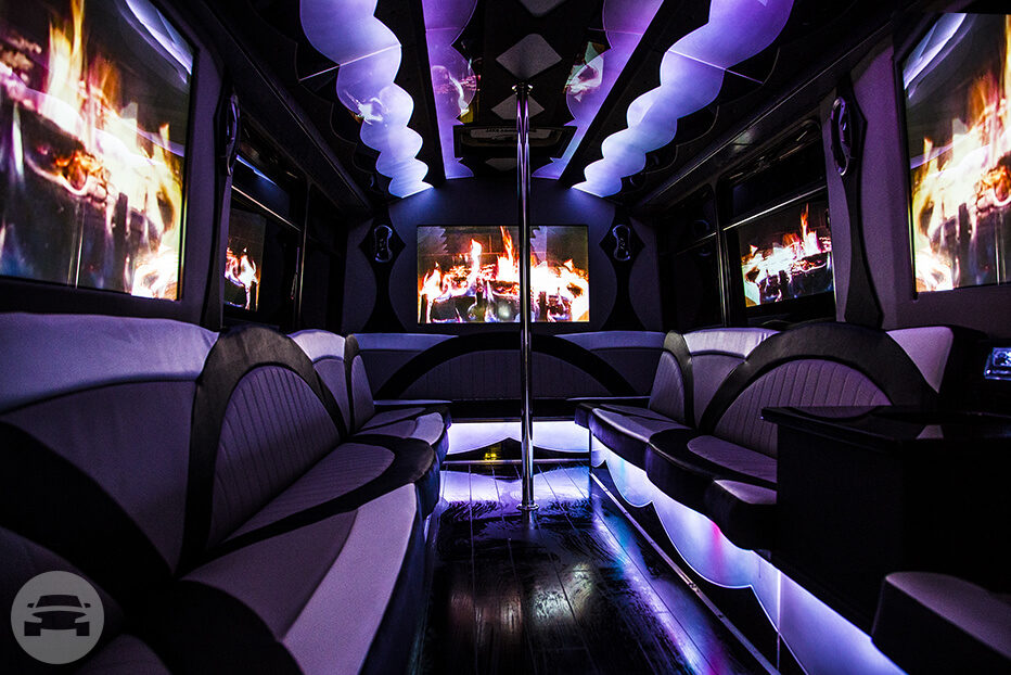 30 PASSENGER LIMO BUS Party Limo Bus  / Charleston, SC   / Hourly $0.00