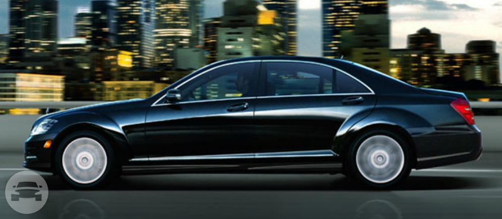 Mercedes S550 Luxury Sedan Sedan  / Chicago, IL   / Hourly $0.00