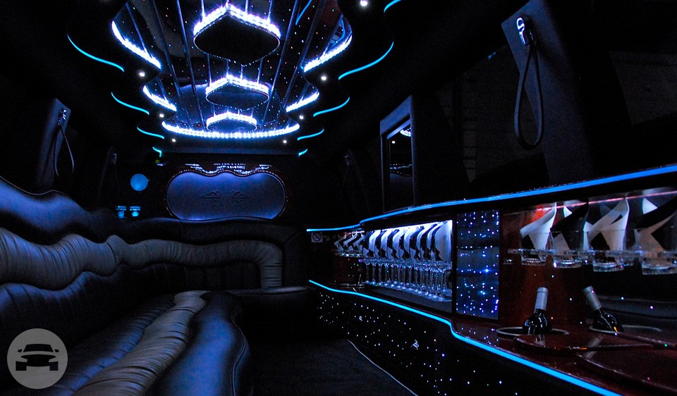 Cadillac Escalade Limousine Limo  / Chicago, IL   / Hourly $0.00