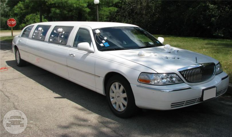 Lincoln Town Car 10 Passenger Stretch Limo Limo / Chicago, IL   / Hourly $0.00
