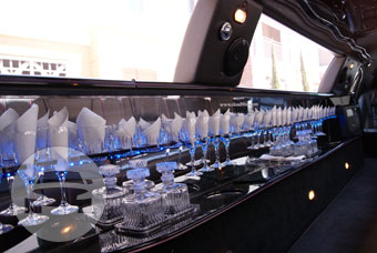 10-14 Passenger White Lincoln Limousine Limo / Milpitas, CA 95035   / Hourly $0.00