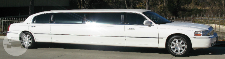 Classic White Lincoln Town Car Limousine Limo / Grapevine, TX   / Hourly $0.00