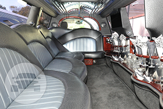 White Cadillac Escalade Super Stretch Limousine Limo  / Bensalem, PA 19020   / Hourly $0.00