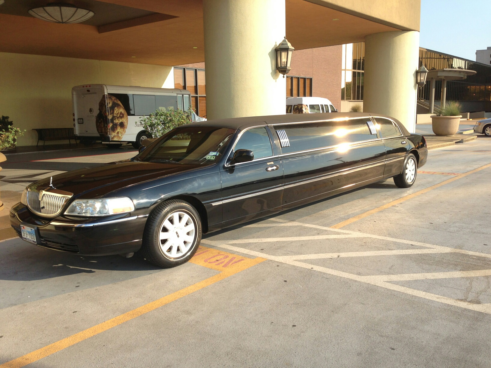 Stretch Limousine Limo  / Richardson, TX   / Hourly $0.00