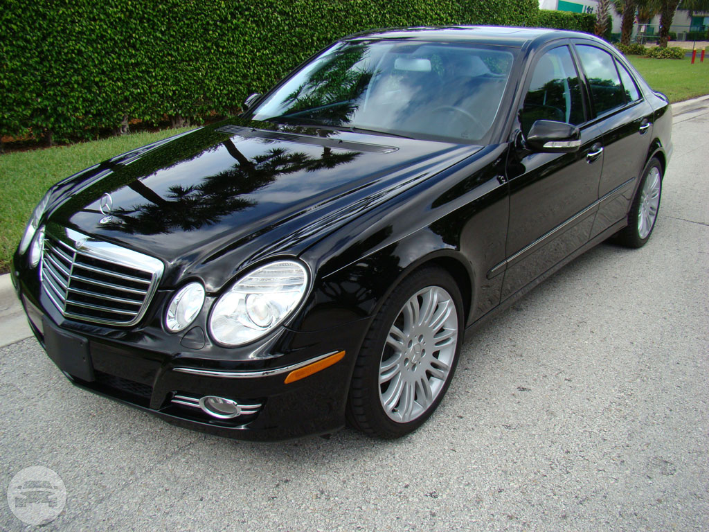 Mercedes benz e350 prime limo service online reservation for Mercedes benz natick ma