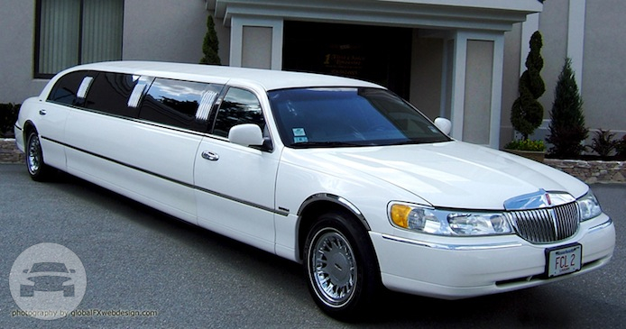 10 Passenger White Lincoln Strech Limousine Limo / Worcester, MA   / Hourly $0.00