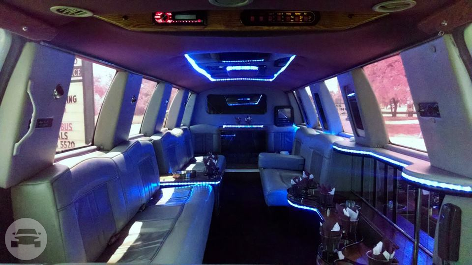 Ford Excursion - 14 passengers Limo / Detroit, MI   / Hourly $0.00