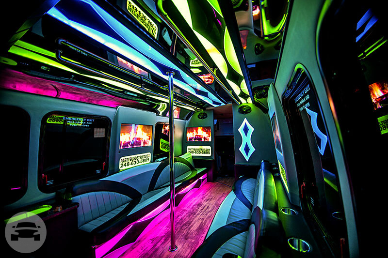 18 Passenger Party Bus Party Limo Bus  / Detroit, MI   / Hourly $0.00
