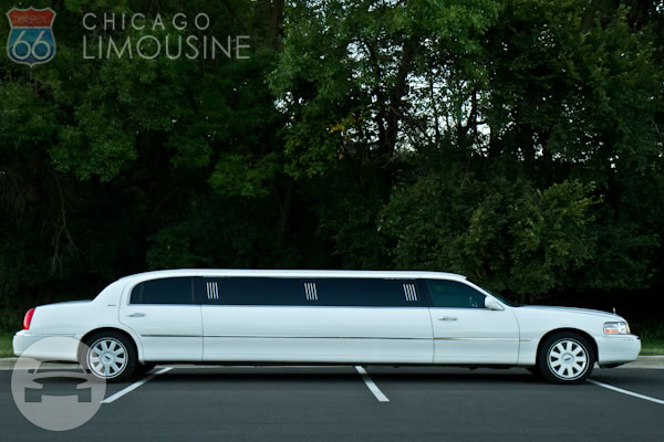 Lincoln Town Car limousine (white or black) Limo  / Chicago, IL   / Hourly $0.00