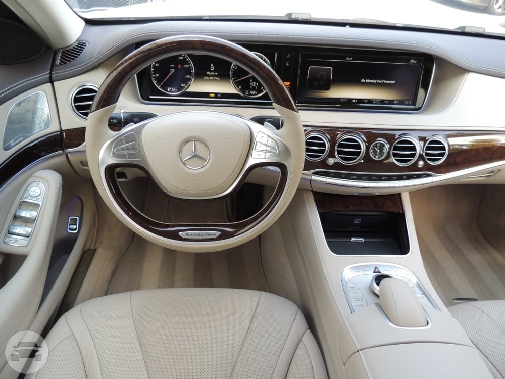 Mercedes benz s class white luxe limo service online for Mercedes benz a service checklist