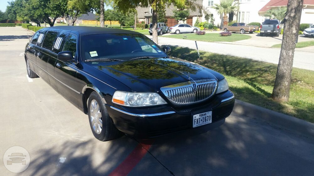 Lincoln Town Car Limo Limo  / Dallas, TX   / Hourly $75.00