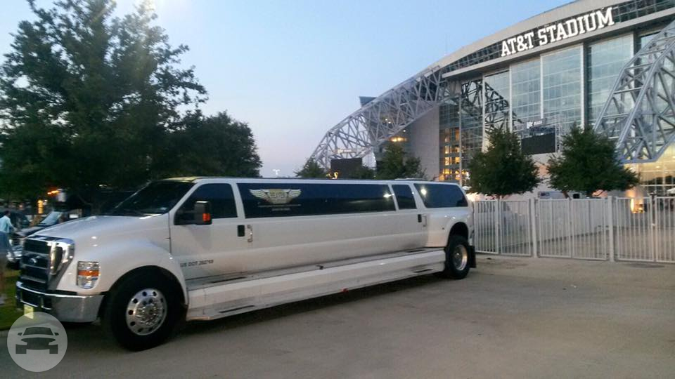 F650 Mammoth Limo Limo / Irving, TX   / Hourly $0.00