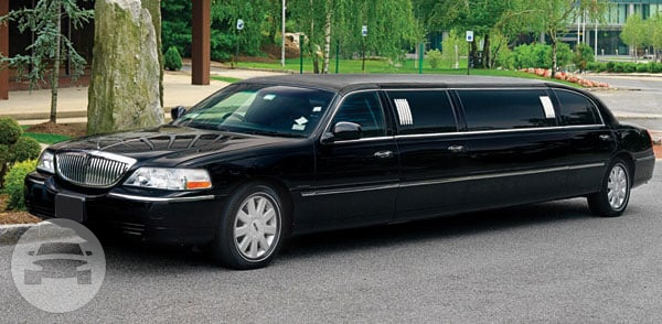 LINCOLN STRETCH LIMO Limo  / Altamonte Springs, FL   / Hourly $0.00