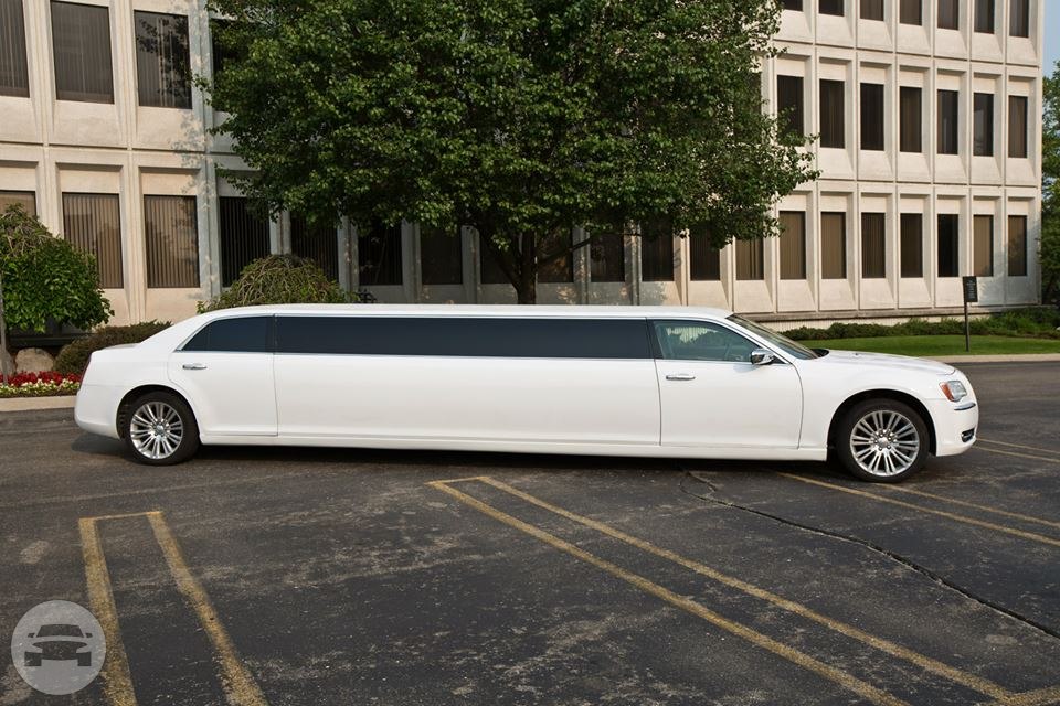 White 2014 Chrysler 300 Limousine Limo  / Detroit, MI   / Hourly $0.00
