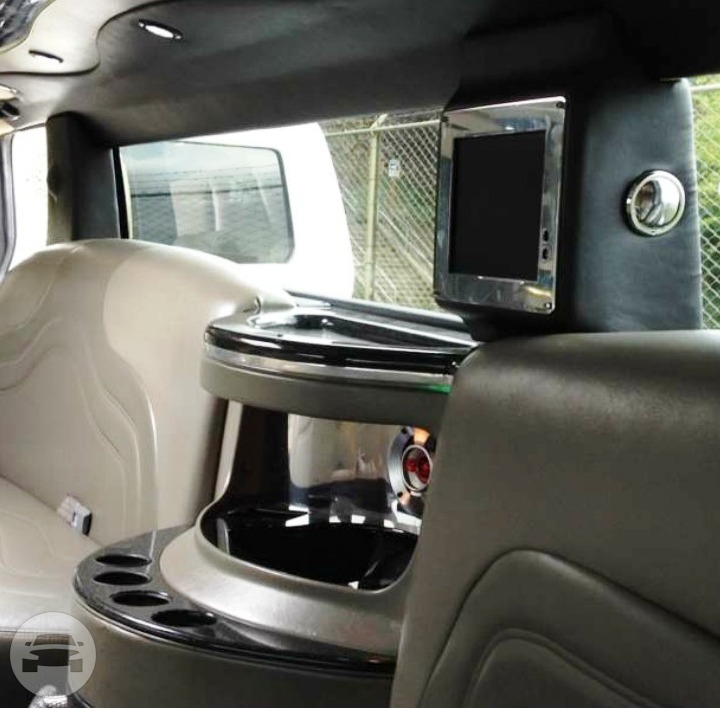 HUMMER STRETCH LIMO Limo / Everett, WA   / Hourly $0.00