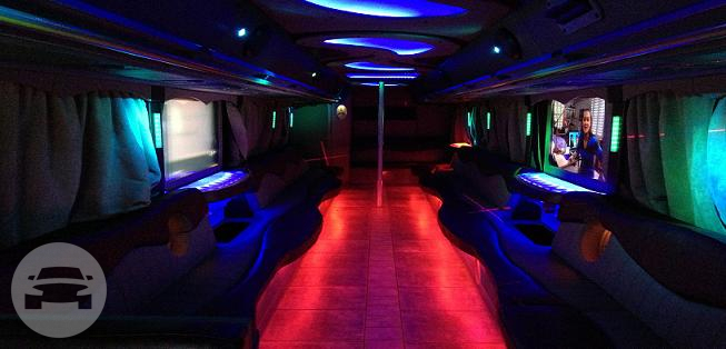 32 passenger Part Buses Party Limo Bus  / Esparto, CA 95627   / Hourly $0.00