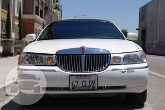10-14 Passenger White Lincoln Limousine Limo / Hollister, CA 95023   / Hourly $0.00