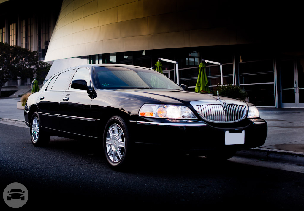 Lincoln Executive Sedan Sedan  / Kansas City, MO   / Hourly $0.00