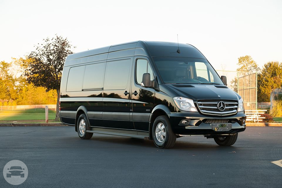 Mercedes Sprinter Van Kansas City MO Hourly 000
