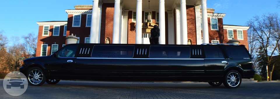 Lincoln Navigator Stretch Limo 22 Passenger Limo / Louisville, KY   / Hourly $0.00
