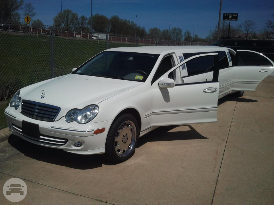Limo 9 (Mercedes Limo) Limo  / Cleveland, OH   / Hourly $0.00