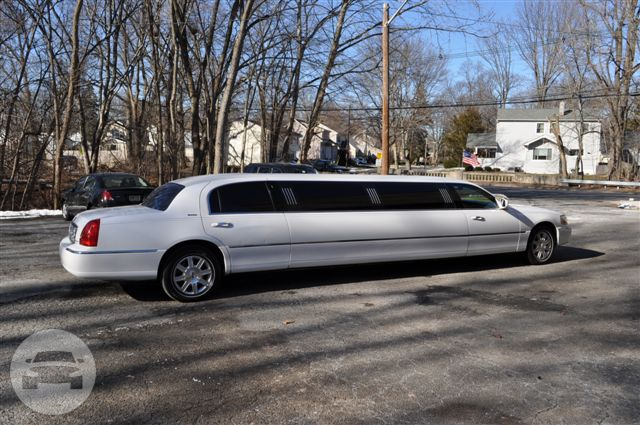 Lincoln Towncar Stretch  Limo / Pennsylvania Furnace, PA 16865   / Hourly $0.00