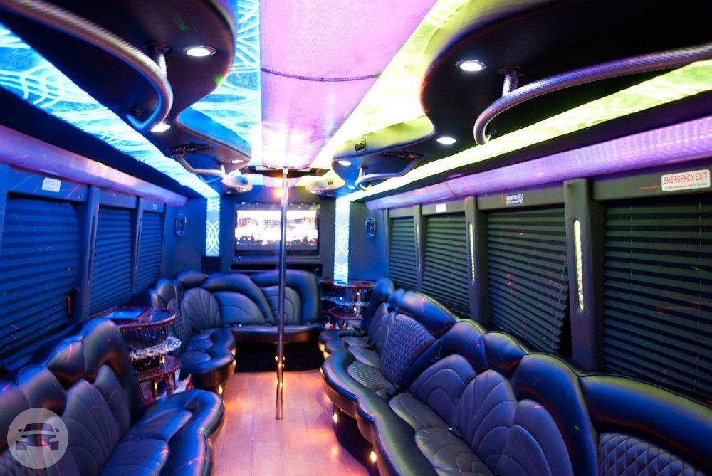30 Passenger Black Party Bus | X.T.C Chicago Party Bus: online ...