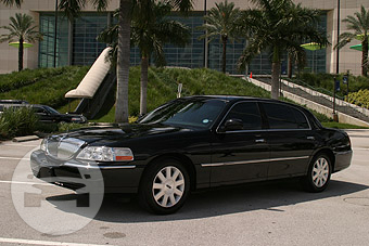 Lincoln Town Car Sedan Sedan  / New York, NY   / Hourly $0.00