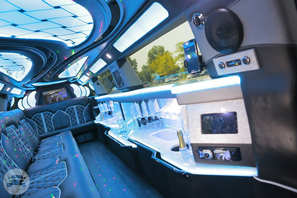 Lincoln MKT Mega Stretch Limousine Limo / Newark, NJ   / Hourly (Other services) $100.00