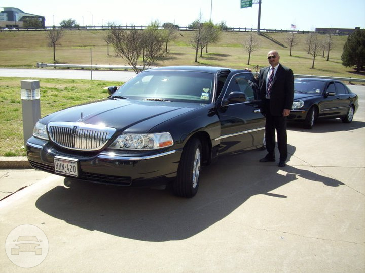 Lincoln Stretch Limo Limo / Dallas, TX   / Hourly $120.00