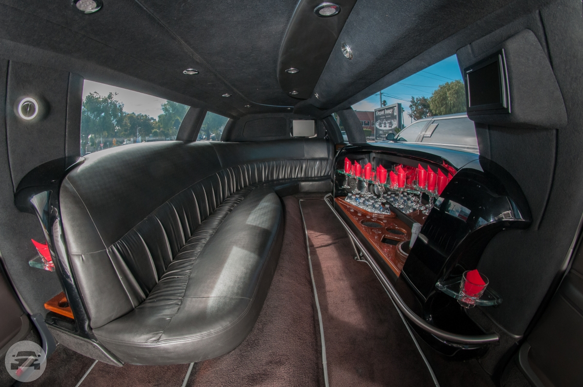 Lincoln Luxury- 5th Door Limo / Monterey, CA   / Hourly $0.00
