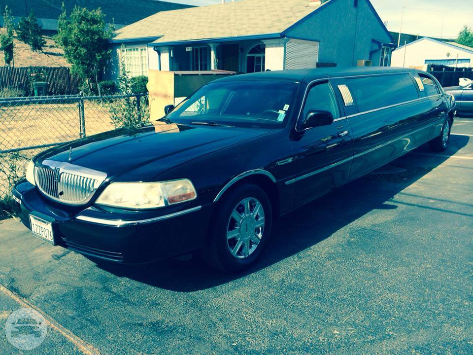 Black 8 Passengers Limo Limo / Hayward, CA   / Hourly $0.00