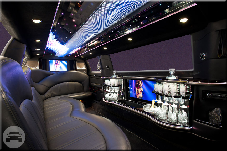 The New Lincoln MKT Stretch Limousine 6- Passengers Limo / Red Bank, NJ   / Hourly $100.00