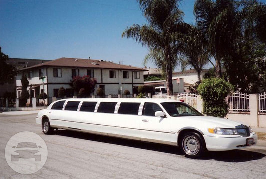 14 passenger Lincoln Towncar Limo  / Marysville, CA   / Hourly $105.00