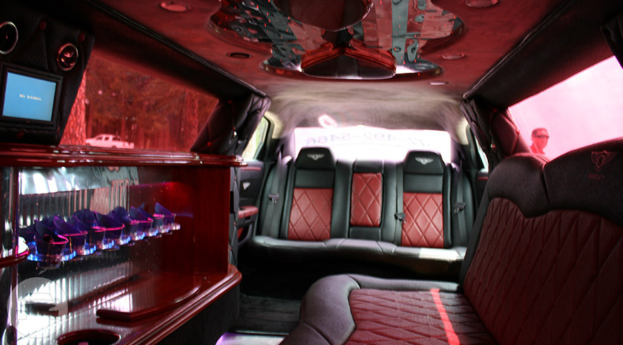 Bentley Limo Limo  / Dallas, TX   / Hourly $0.00