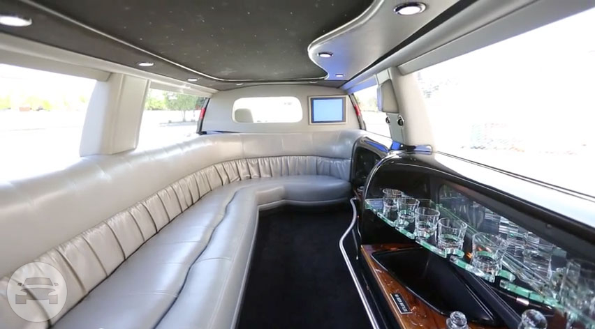 Ford Excursion Limo  / Stockton, CA   / Hourly $0.00