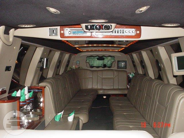 18 Passenger Ford Excursion 200 Inch Limo Ojai CA 93023 Hourly 12500