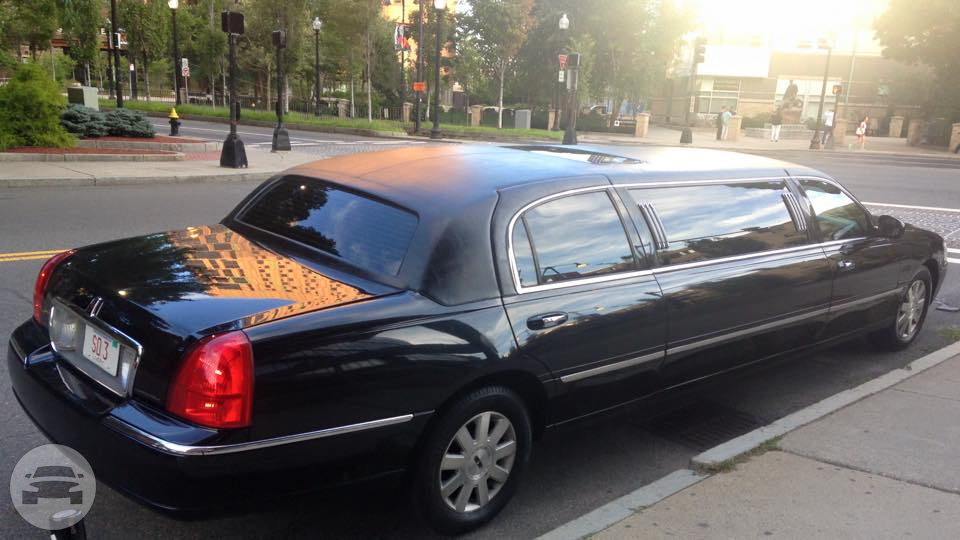 Black Stretch Limousine Limo  / Boston, MA   / Hourly (Other services) $60.00